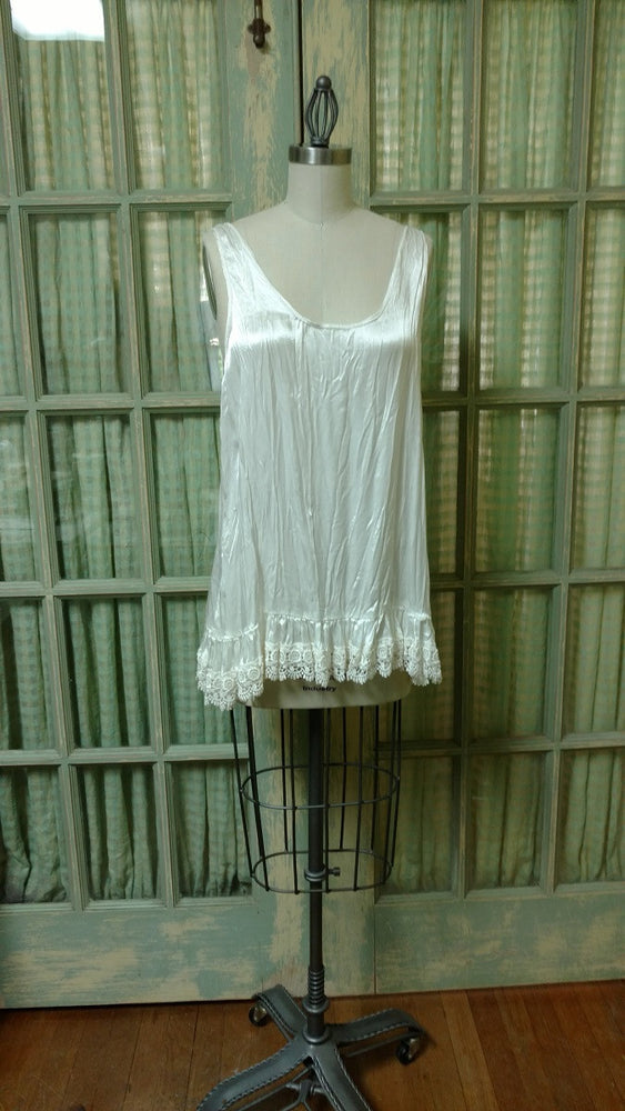 Simple Cami in Satin, USA