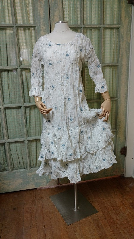 Shabby chic linen dress with floral pattern