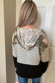 THE MELANIE CAMO COLOR BLOCK V NECK TOP WITH HOOD