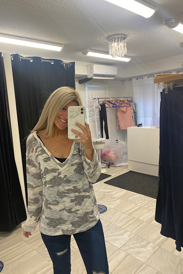 Camo Print V Neck Lightweight Top-New Arrival Promo