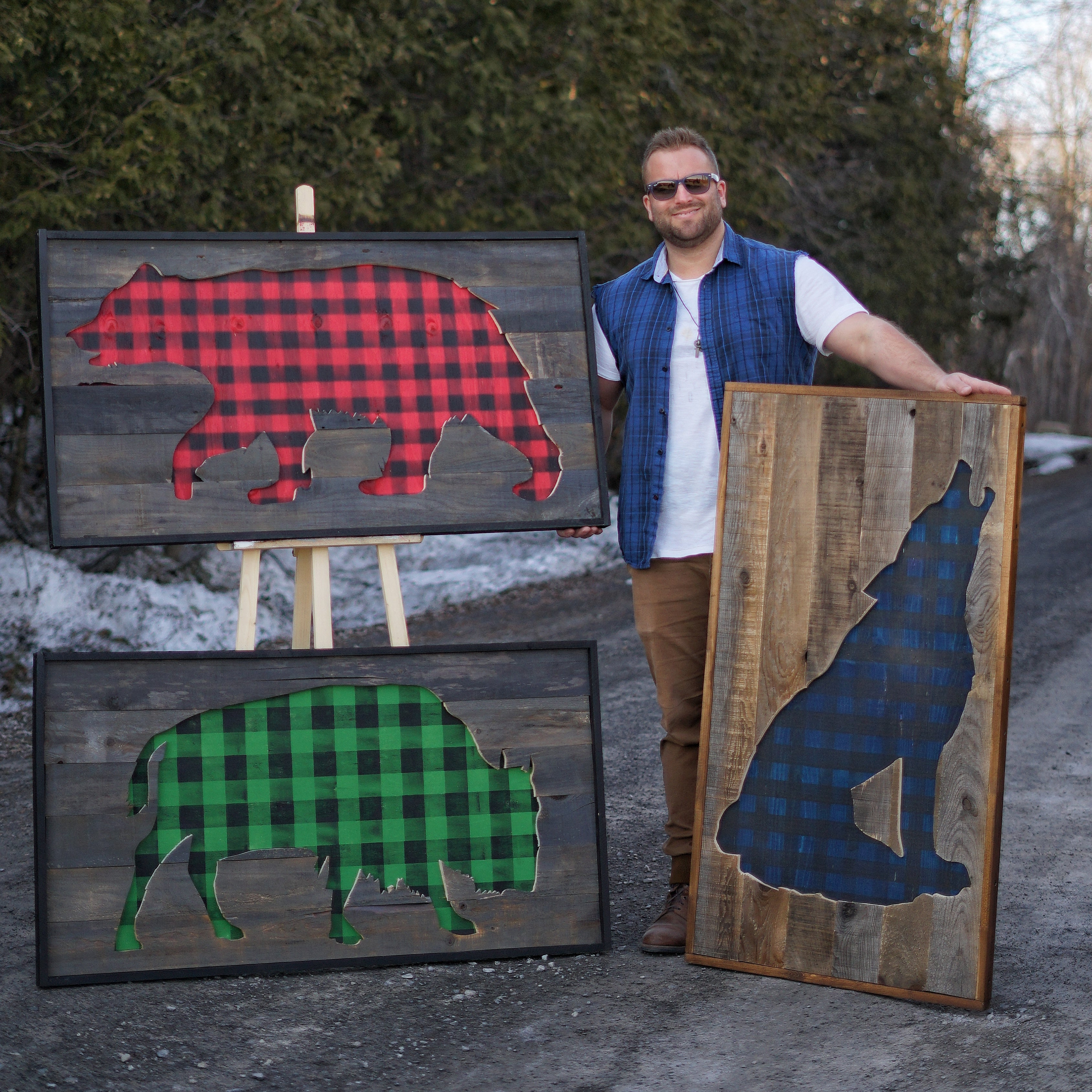 Barnwood Wolf | Plaid