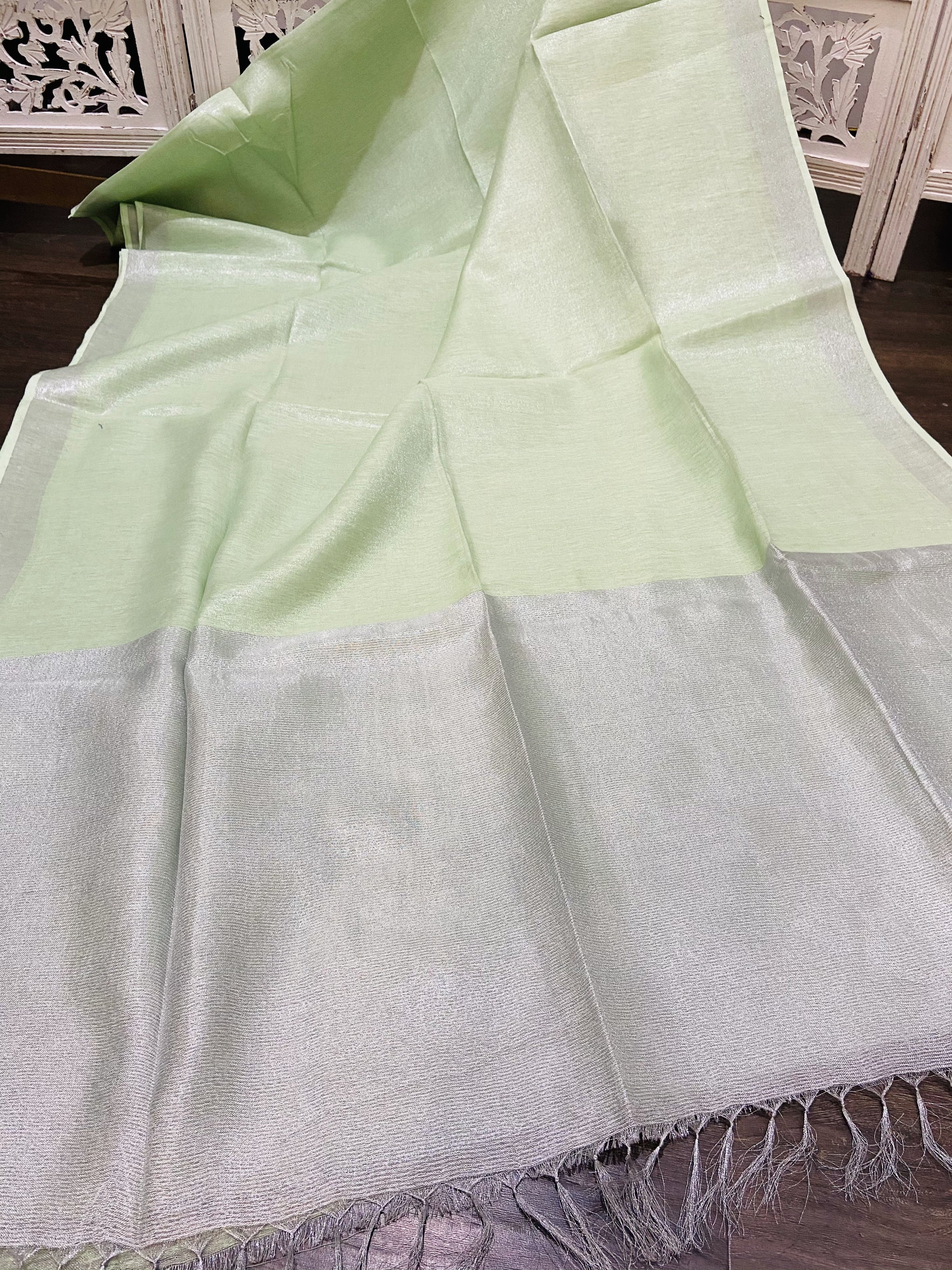 Green and Silver Linen Tissue Saree - Sakkhi Style