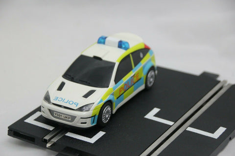 SCALEXTRIC SPORT CAR - C2488 - FORD FOCUS - POLICE CAR - LIGHTS AND SIREN