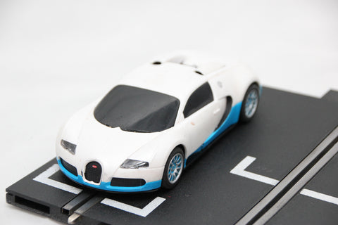 SCALEXTRIC DIGITAL CAR - FROM SET - BUGATTI VEYRON - WHITE