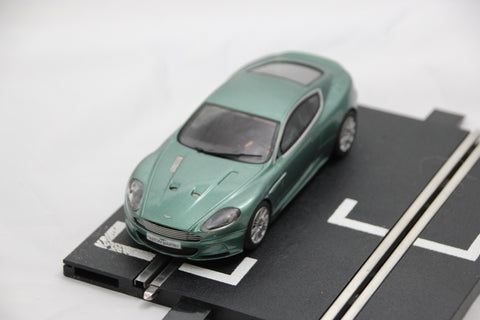 SCALEXTRIC DIGITAL CAR - C3089 - ASTON MARTIN DBS - ROAD - GREEN