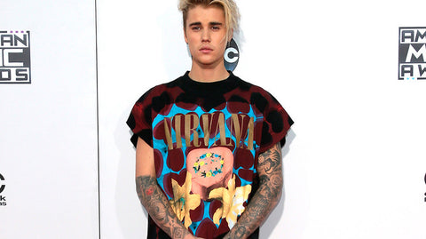 6b36f0c3 Justin Bieber's stylist has come to his defence after being criticised by  Nirvana fans for wearing one of the band's T-shirts at a recent awards  ceremony.