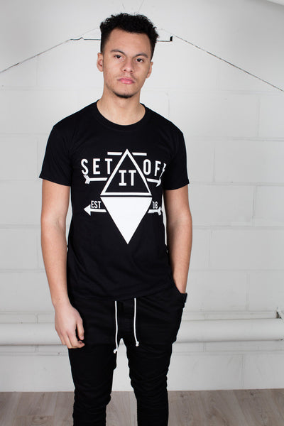 Set it Off Arrow Unisex T-Shirt