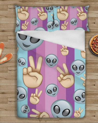 Alien Emoji Bedding Set