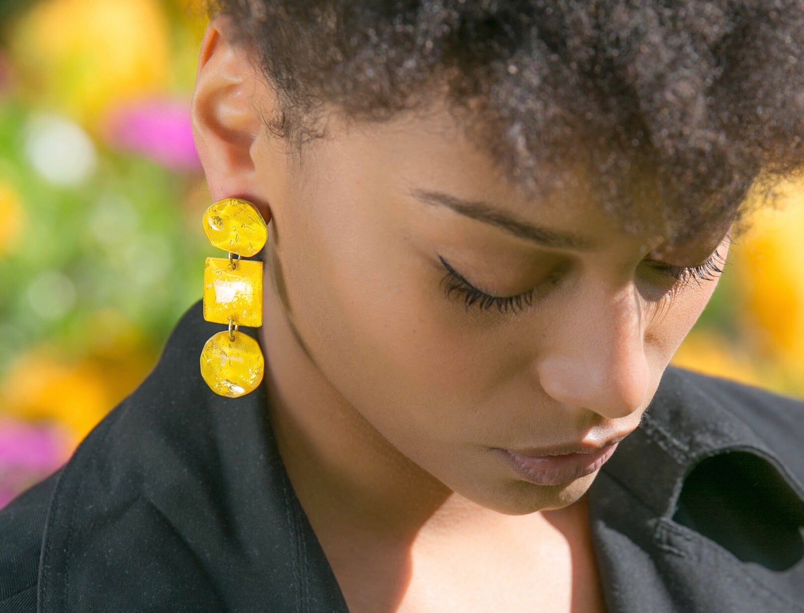 Betty's Dangling Earrings - Sunshine / les boucles pendantes de Betty