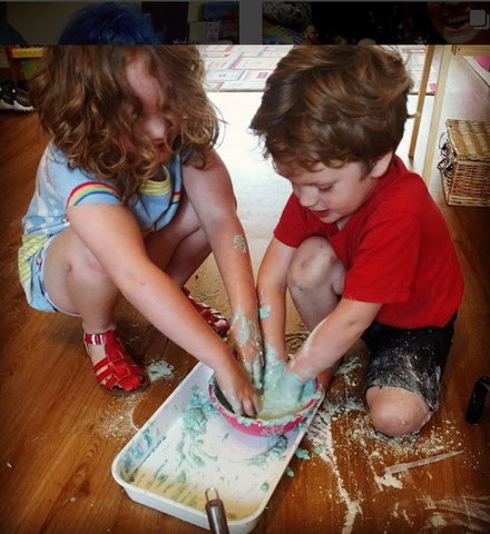 Amy Colour Fun messy play with siblings on the Little Hotdog Watson blog
