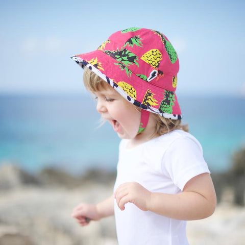 Little Hotdog Watson feature their pioneer kids sun hat in latest blog
