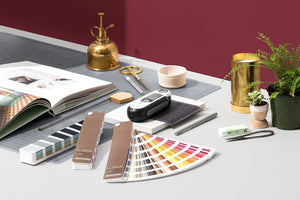 Pantone Fashion Home Interiors Paper Colour Guide bundle set FHGC400 in use workstyle image