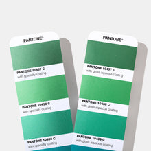 Load image into Gallery viewer, Pantone Metallics Colour Chart Guide (GG1507A) product detail image green metallic chips pages