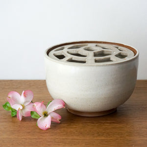 Grid Lid Flower Vase