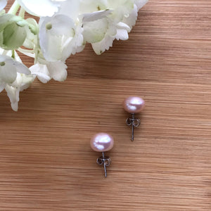 Pink freshwater pearls stud earrings 11 mm - The Lotus Wave