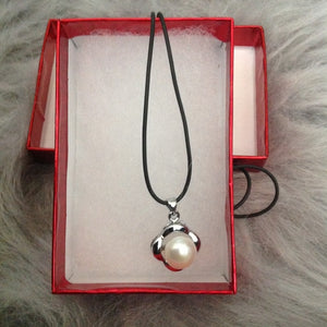 Freshwater pearls silver leather cord necklace - Stylish n Trendier