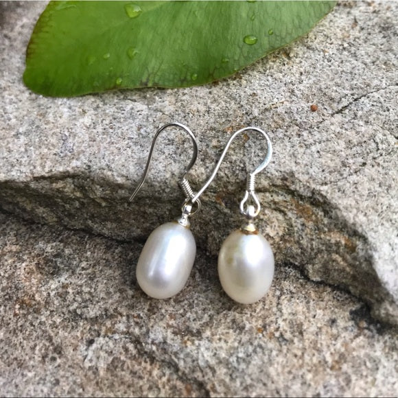 Cream color fresh water authentic pearl earrings