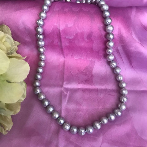 Image of Silver pearl necklace