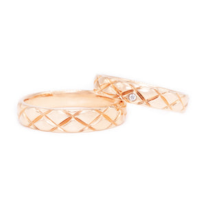 18 carat rose-gold checker board pattern wedding band set