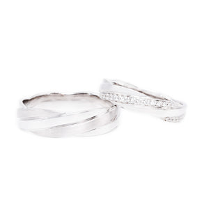 "18 carat white-gold Signature ""Endearment"" wedding band set"