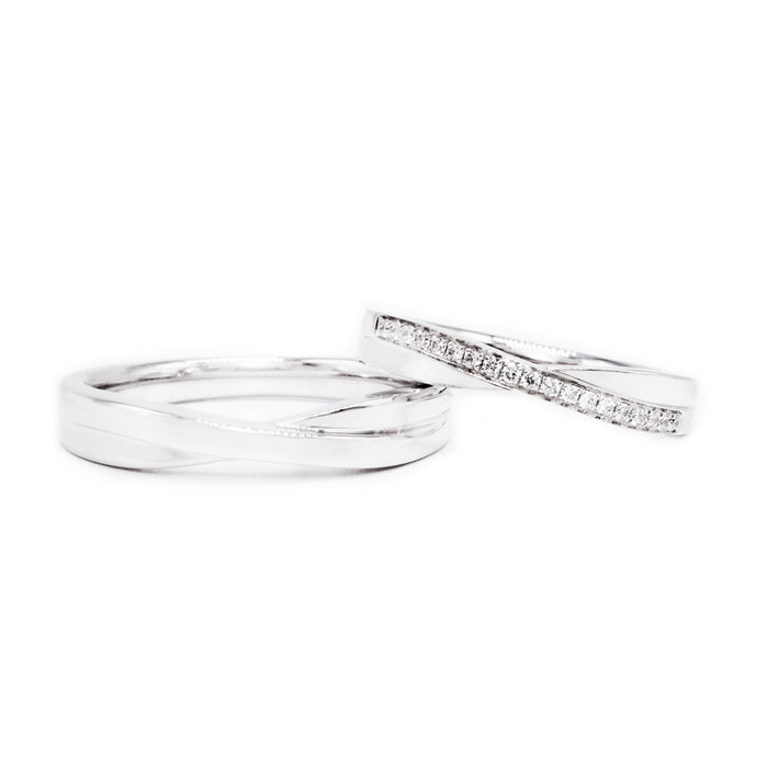 18 carat white gold Signature Bowtie wedding band set