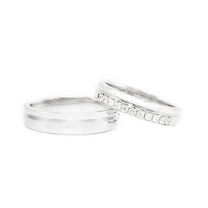 "18 carat white gold Signature ""Trust"" wedding band set"