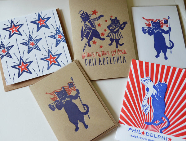 Vintage Patriotic Cats with flying flags_red white and Blue are here!