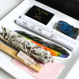 crystals palo Santo sage ritual manifestation intention kits sets copyright la chic vie boutique llc 2020