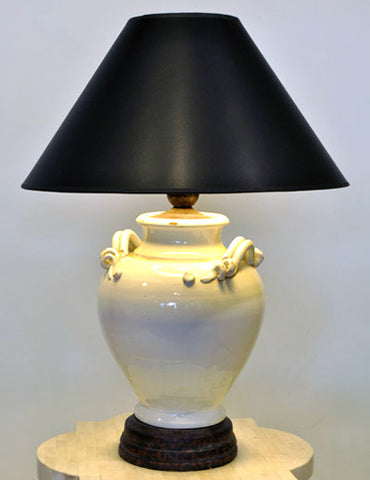 Classical Urn-Style Table Lamp