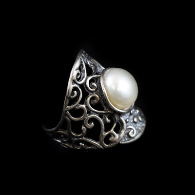 Beautiful Sterling and Pearl Ring