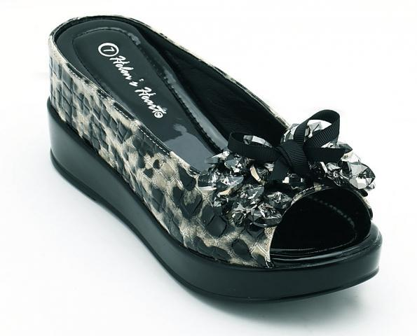 "Black Leopard  2"" Wedges with bow and crystal beads on the front   Size 7                                sze"