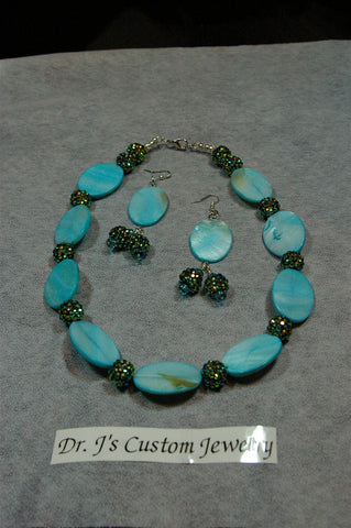 Turquoise Mother of Pearl and Rhinestone Beaded Necklace Set