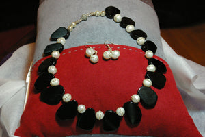 Black Nugget Bead and Rhinestone Inlaid Creamy Pearl Necklace and Earring Set