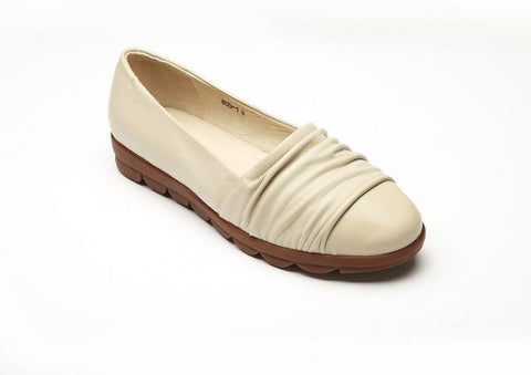IVORY/CREAM COLORED SHOES