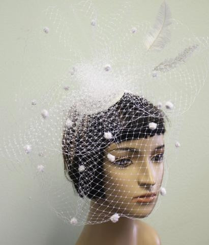 WHITE Dramatic Veil with Feathers