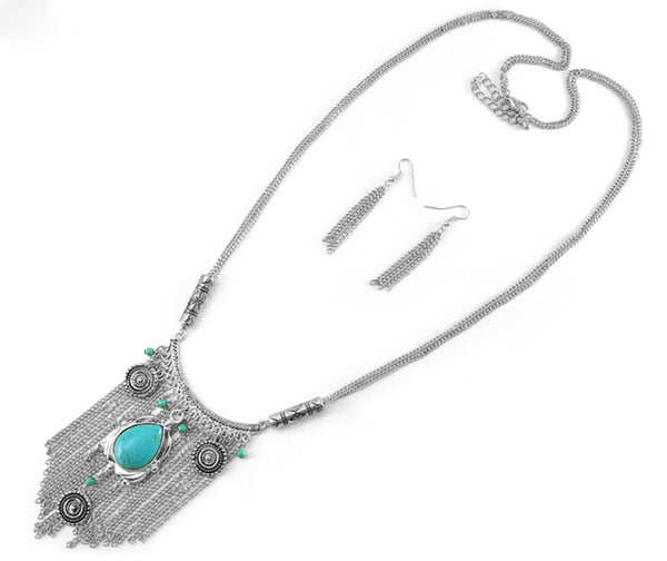 Casting With Fringes And Turquoise Point Neckace (Silvertone)