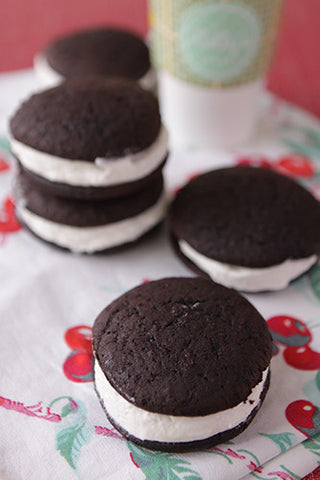 Coconut Chocolate Whoopie Pie
