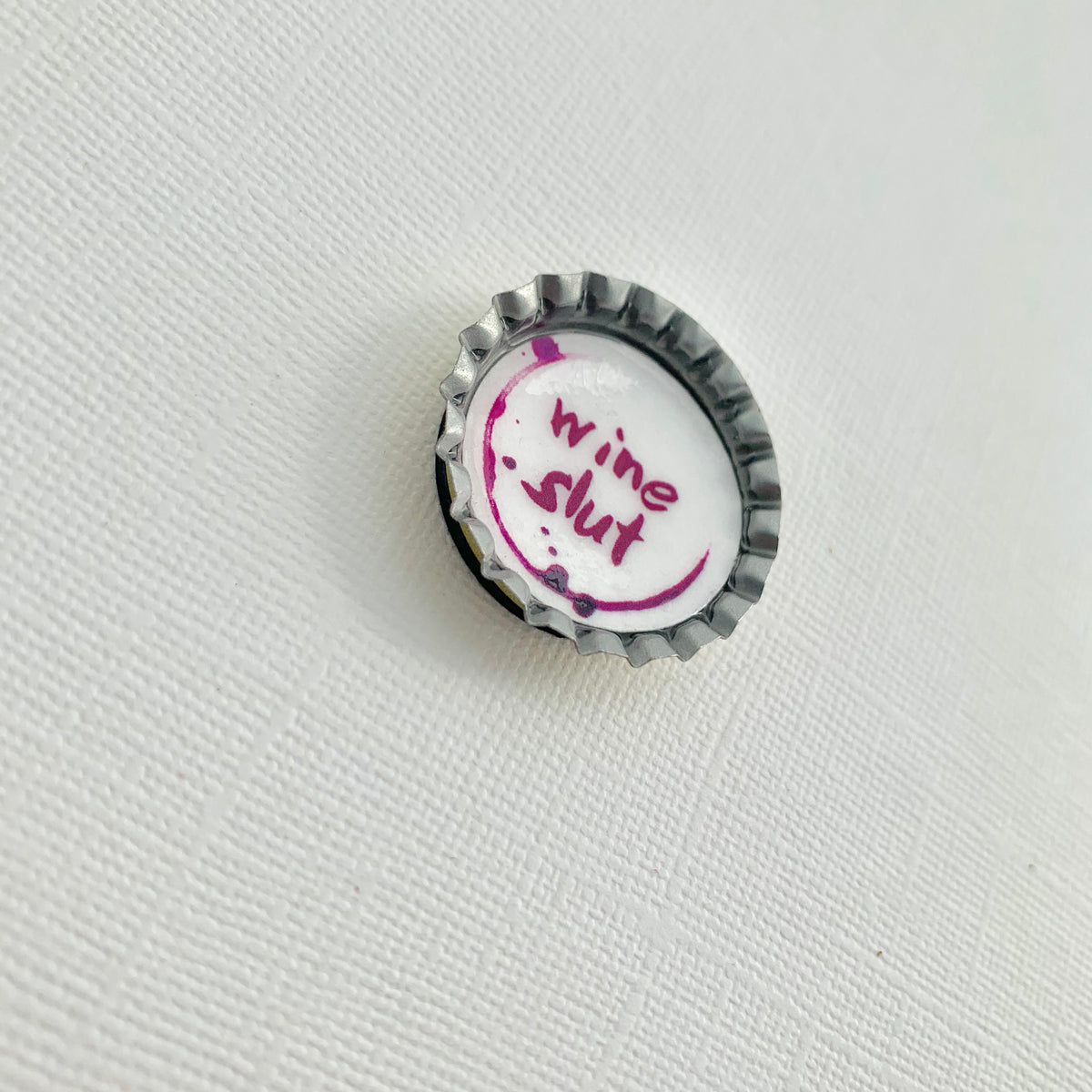 Muddy Mouth Cards Magnet Wine Slut