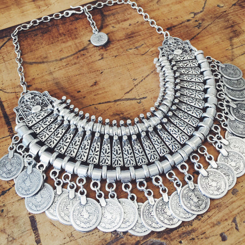 Feather & Bull necklace -Silver