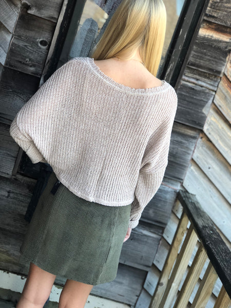Taupe crop