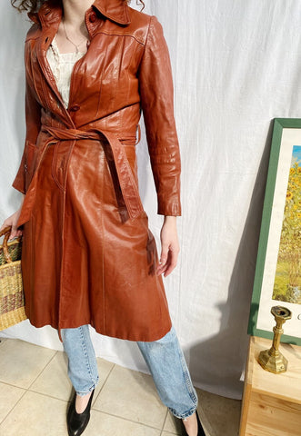 Vintage 70s Parisian chic Mod Boho leather coat brown