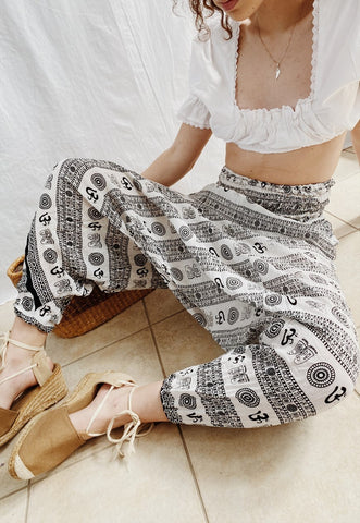 Vintage 90s Elephant print highwaisted Boheme harem trousers