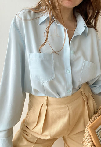 Vintage 90s Eggshell Blue pastel basic shirt top blouse