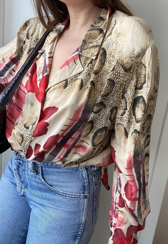 Vintage 80s Abstract print blouse shirt top