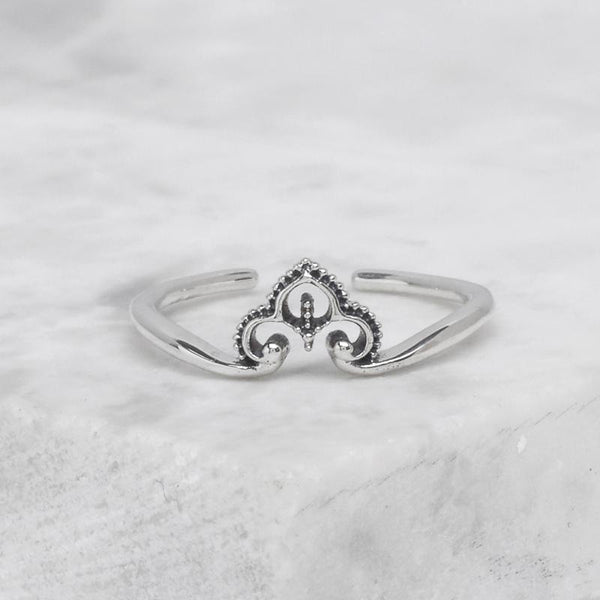 Dainty Maharaja Adjustable Midi Ring
