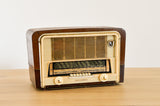 Radio ancienne Transmonde de 1950 transformée en enceinte Bluetooth par Charlestine - Photo principale