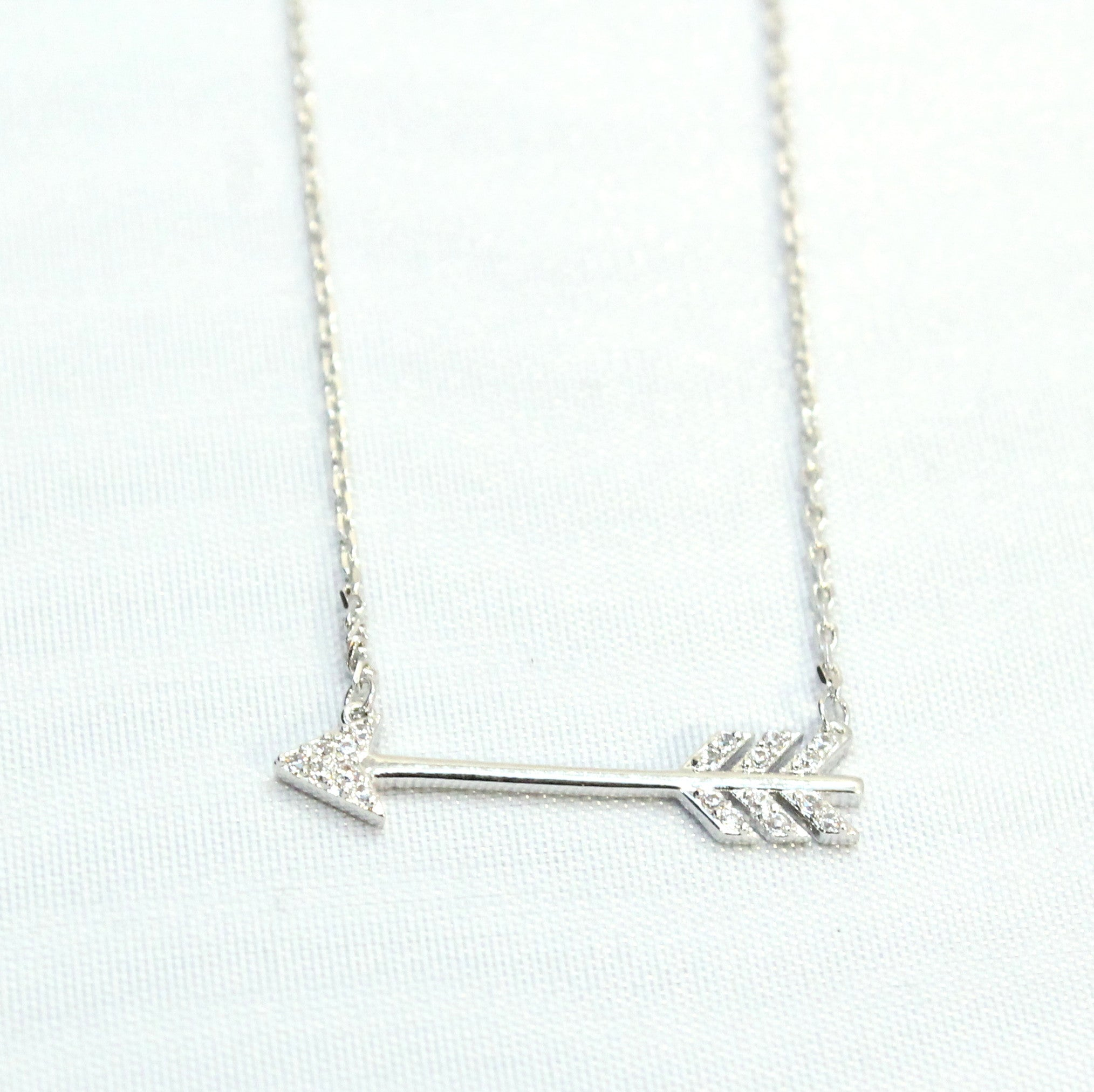 Pyle - Arrow thin necklace