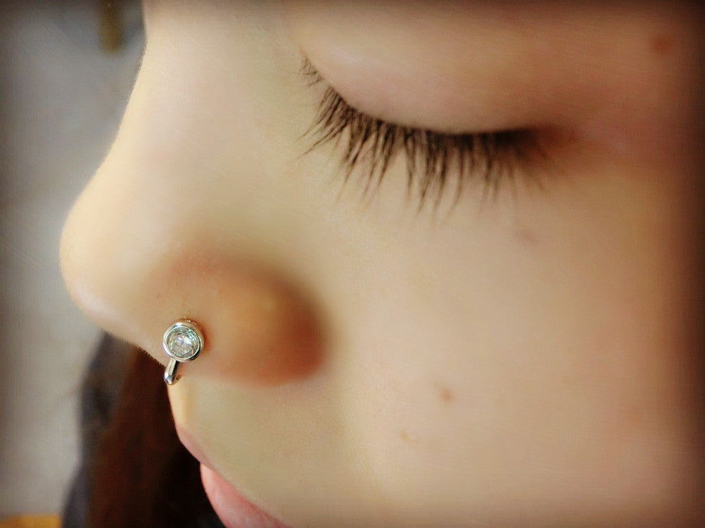Yan Lei Sterling Silver Fake Septum Nose Ring Hoop Non Piercing Hanger Clip With Sparkling Cz Silver Golden Tone 2 Pcs
