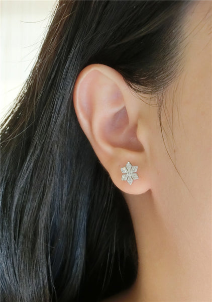 YAN & LEI Sterling Silver Snowflake with CZ Setting Stud Earrings