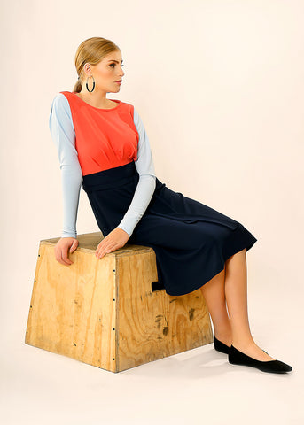 Multi colored midi dress with long sleeves